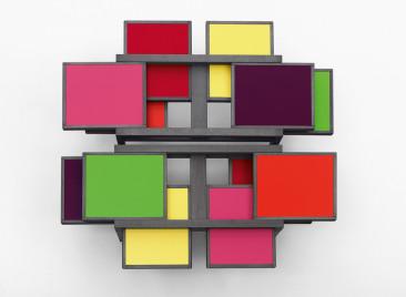 Un tavolo-puzzle da personalizzare