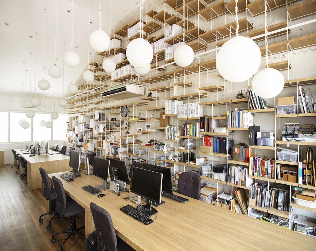 Box Ufficio Legno : Un accogliente ufficio open box a bangkok design diffusion
