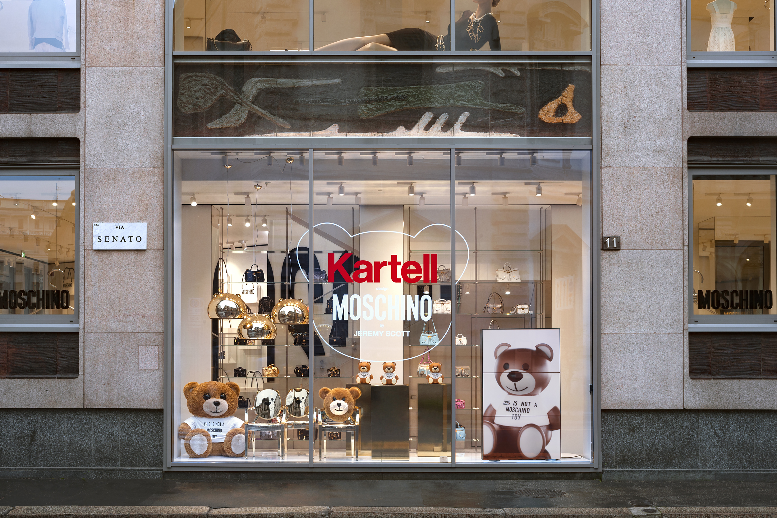 Moschino loves Kartell
