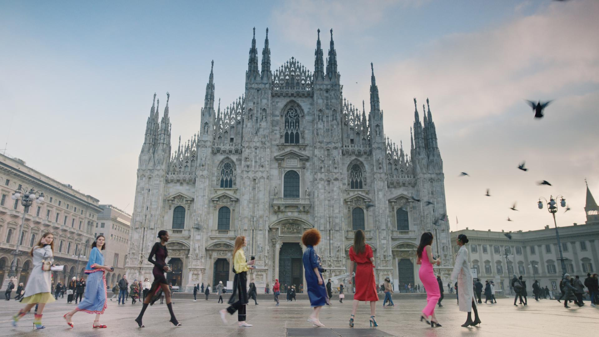 Camera Moda Calendario.Sfilate Milano Moda Donna Welcome To Milan Design Diffusion