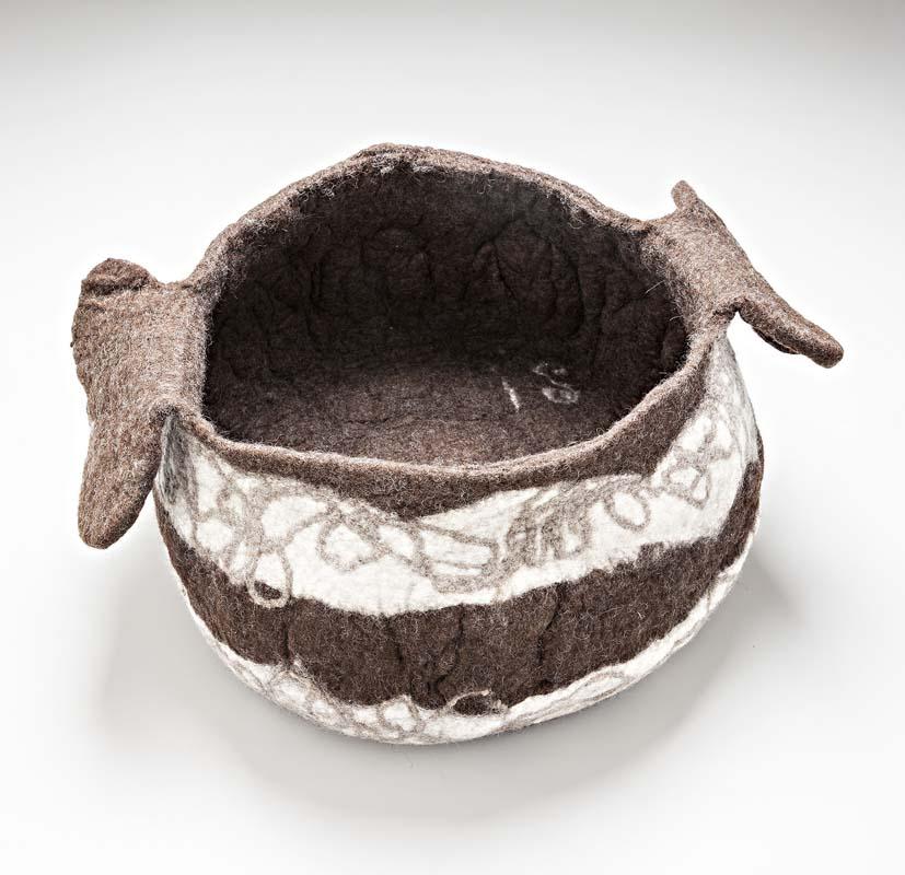 Ines-schertel-oggetti-design-in-lana