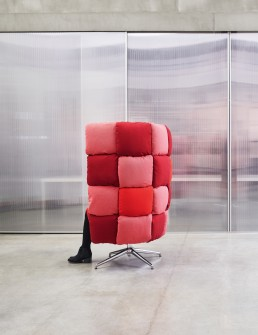 Undecided, swivel chair upholstered with FiftyShade technical fabric, designed by Raffaella Mangiarotti and Ilkka Suppanen for Manerba