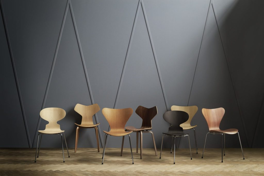 chairs-series-7-ant-grand-prix-fritz-hansen-organic-design.jpg