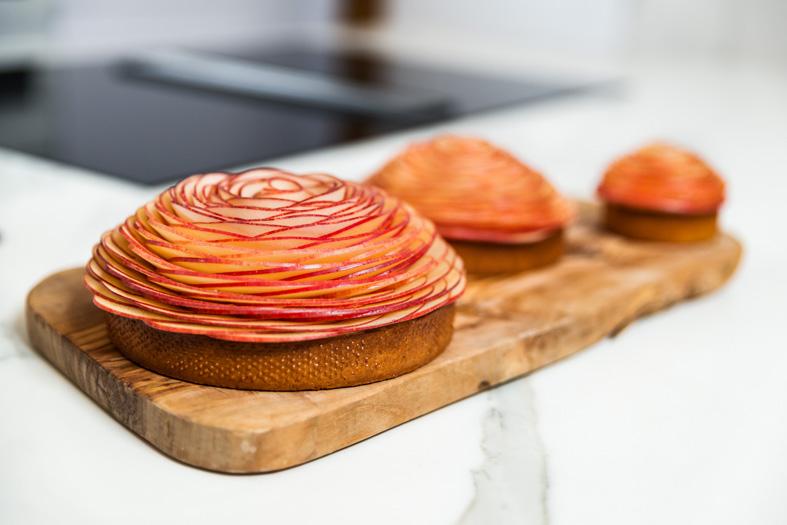 torta-cedric-grolet-fettine-mela.jpg