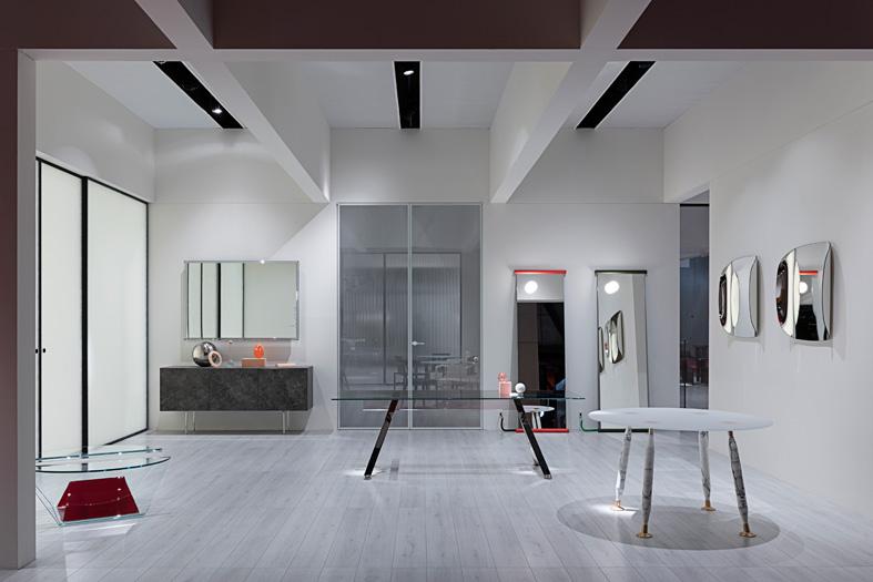 glas-italia-booth-salone-milano-2019.jpg