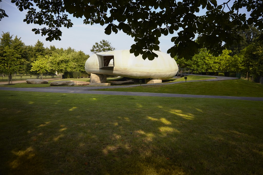 Pavilion 2014, Smiljan Radic. Photo John Offenbach, courtesy Serpentine Gallery