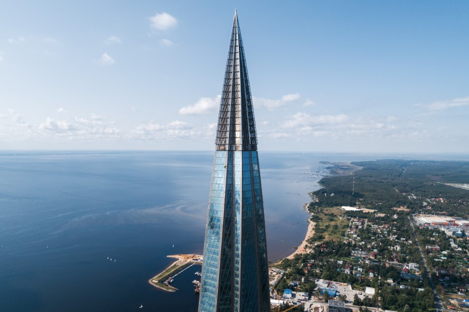 lakhta-center-edificio-più-alto-d-europa-agc-glass
