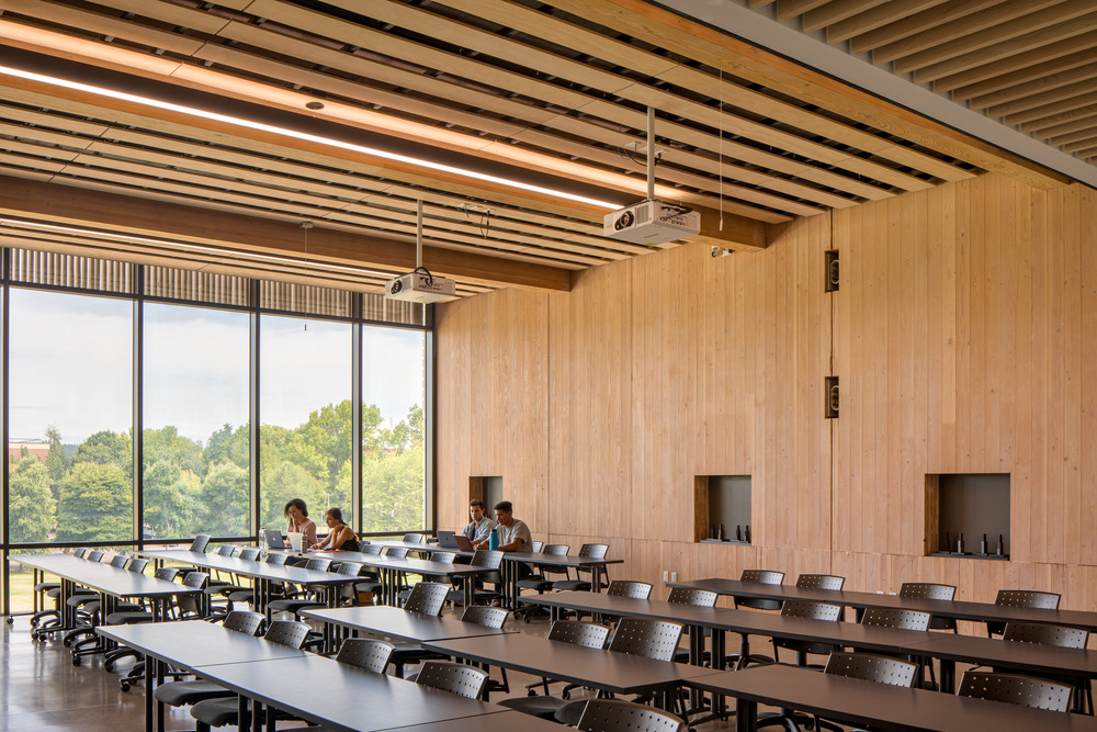 Oregon Forest Science Complex di Michael Green Architecture