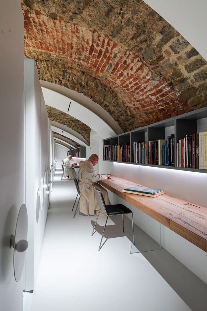 biblioteca-monastero-camaldoli.jpg